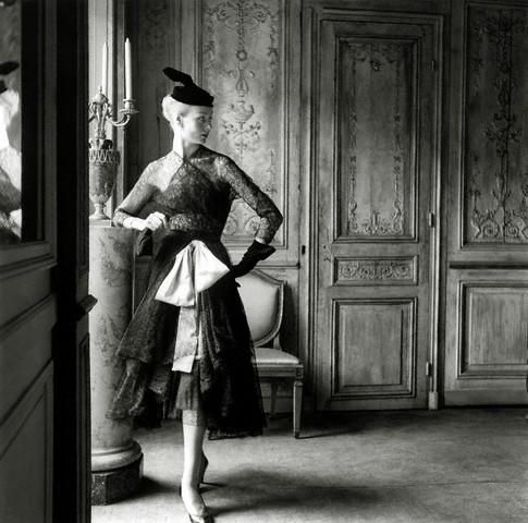 http://3.bp.blogspot.com/_xWVvloAdArk/TCBUJMyYZcI/AAAAAAAAEC4/0JqvocjHhVU/s1600/!!!!!!!!!!!!!!!balenciaga-vintage-lace-1951.jpg(fashionmodel.mtx5.com).jpg