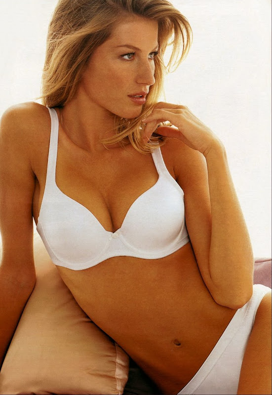 Random photos of Gisele Bundchen in lingerie
