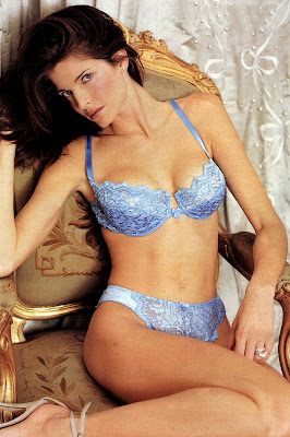 More pics of Stephanie Seymour in lingerie
