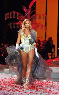 Karolina Kurkova Lingerie Fashion Show