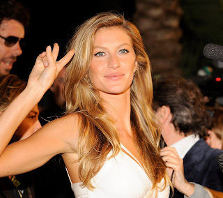 Been a while since we posted any Gisele Bundchen pics
