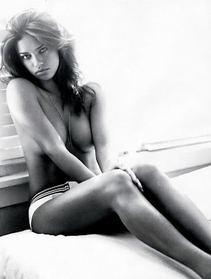 Adriana Lima is incredibly sexy in Elle