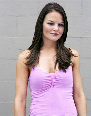 Jennifer Morrison is pretty in pink