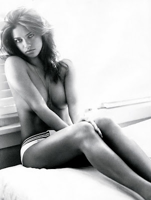Adriana Lima was very very sexy in Elle
