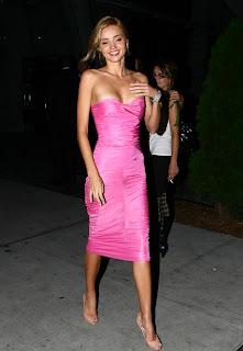 Miranda Kerr is pretty in pink
