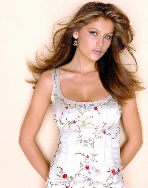 Laetitia Casta is absolutely beautiful