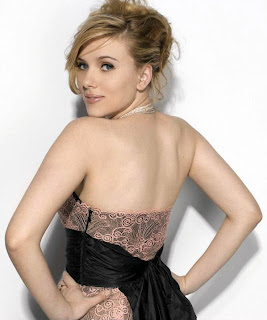 Scarlett Johansson Appear Sweet in Artistic Strapless Gown Fashion Model Photo Shoot Session
