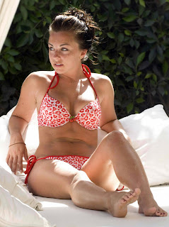 Louisa Lytton looks really cute in a bikini