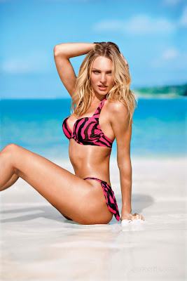 Candice Swanepoel is beautiful in a bikini
