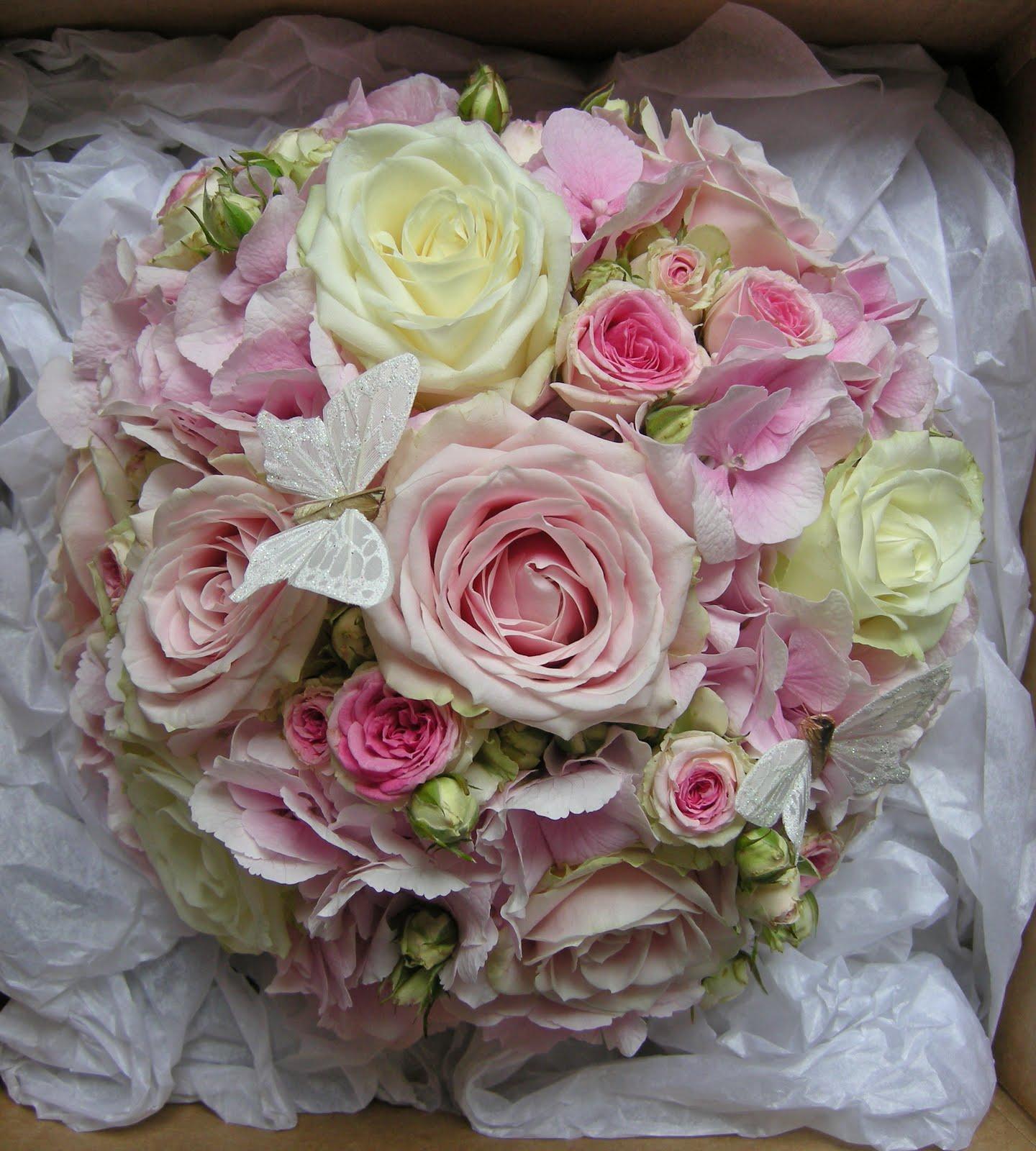 Wedding Flowers Blog: Danielle\'s vintage pink & aqua wedding flowers