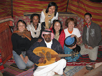 WADI RUM沙漠帐篷里的欢乐BAND队