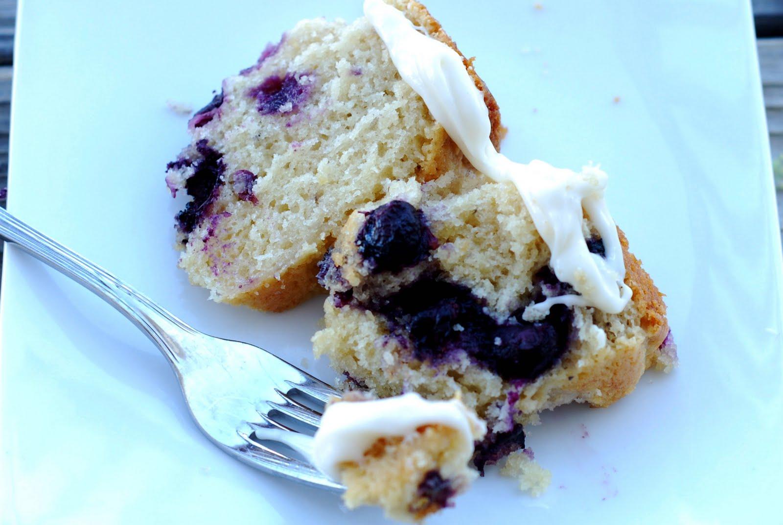 See Jane in the kitchen: Lemon Blueberry Bundt Cake