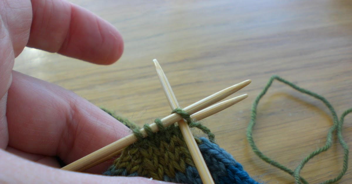 Kitchener Stitch Using Knitting Needle : Fionas Knitting: Three needle grafting - how to do it - (or, Kitchener s...