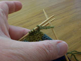Fionas Knitting: Three needle grafting - how to do it - (or, Kitchener s...