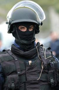 [gendarme+speciale.jpg]