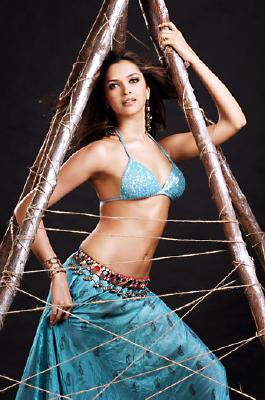 This blog contains hot and unseen videos of top bikini indian girls, ...