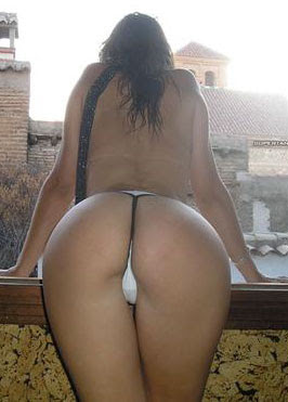 cola en tanga sexy