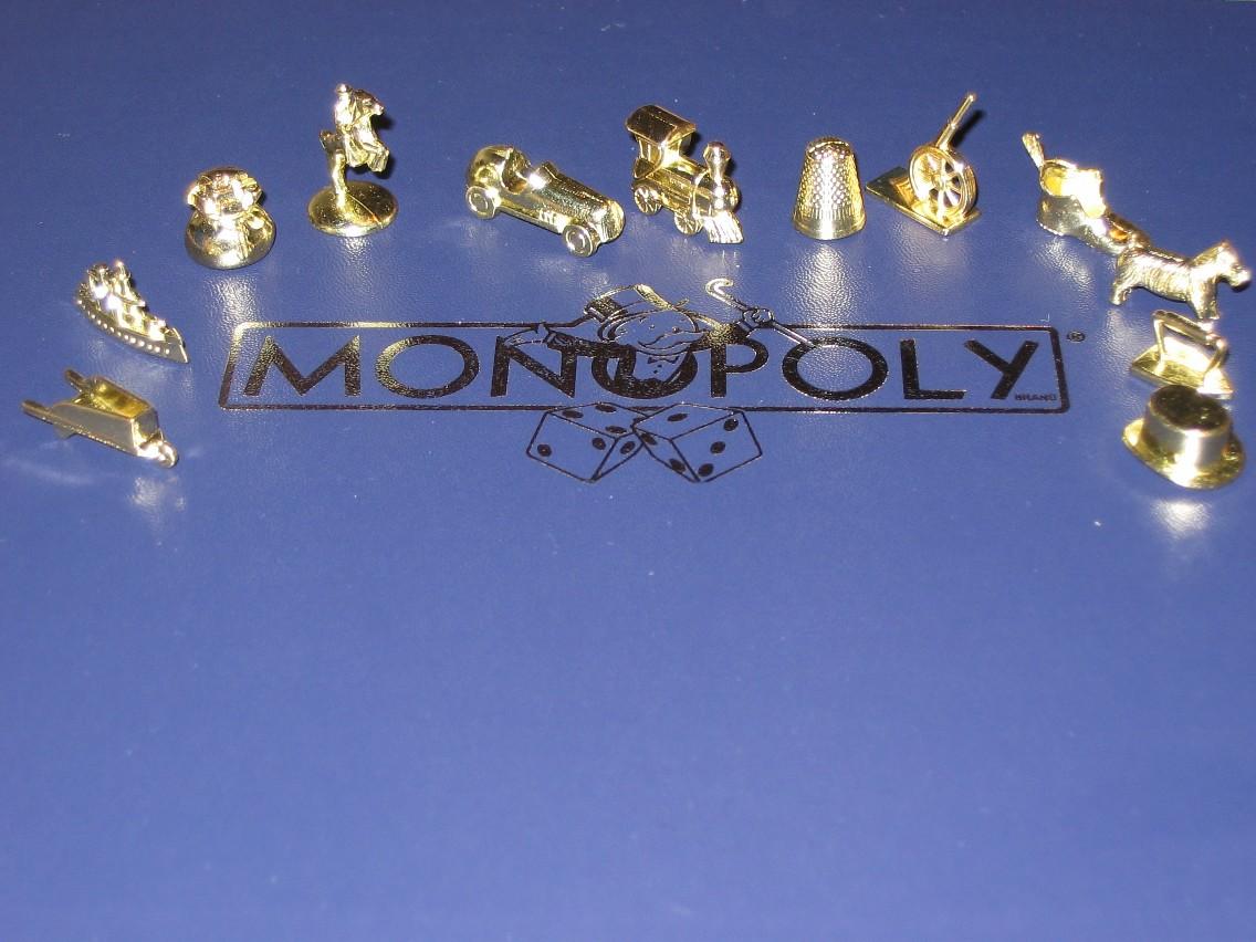 http://3.bp.blogspot.com/_xf2Eq7U655k/S7YIMe4teLI/AAAAAAAACH8/8Y8QxMaGla8/s1600/US_Deluxe_Monopoly_Tokens.jpg