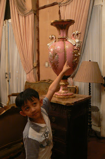 A very distinctive vase in Imelda's room, Romualdez Museum
