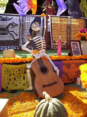 The music...Dia de Los Muertos