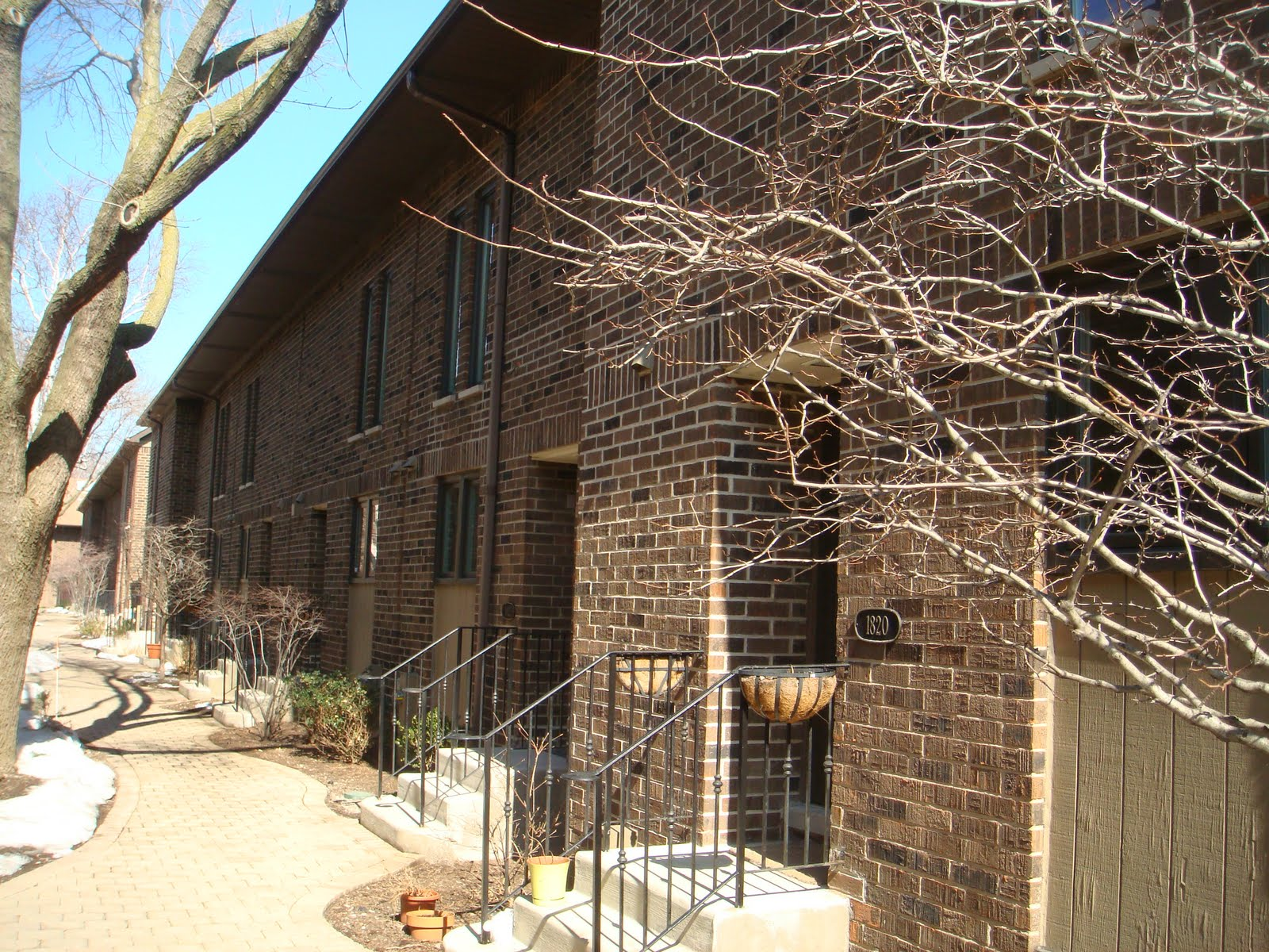 The chicago real estate local lincoln park townhomes for The pointe at lincoln park