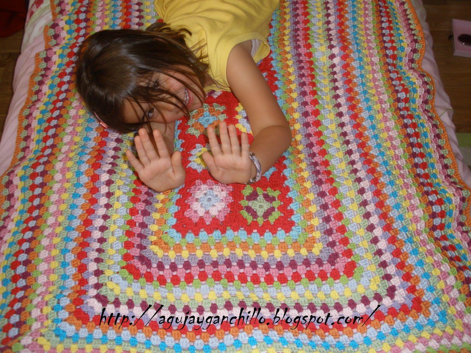 Aguja y ganchillo manta granny - Mantas ganchillo colores ...