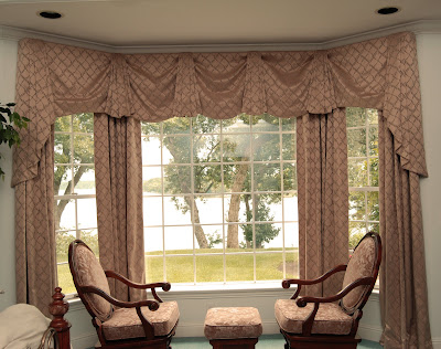 dandelion 39 s blog beautiful window treatments for bay windows