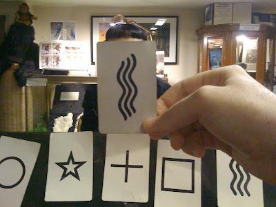 Latihan dasar clairvoyance: Menebak gambar kartu