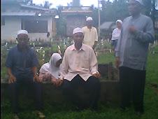 Kunjungan Chu Samin ke kubur ayahnya di Tg Pura