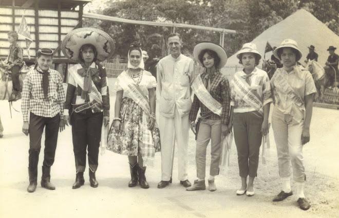 Rodrigo de Triana Editorialista del Diario EL Universo en esa epoca