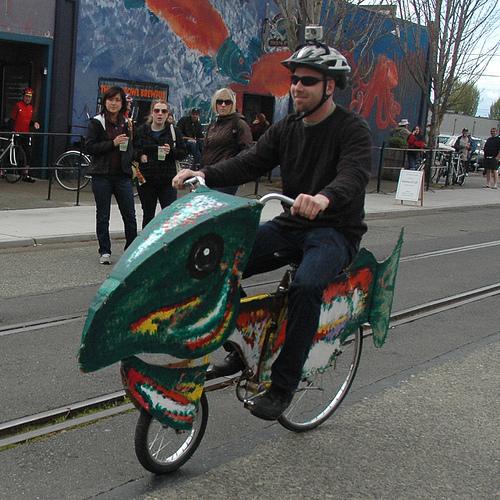 http://3.bp.blogspot.com/_xr5zEgm1DBk/TKgEpdE6VII/AAAAAAAAEXg/AcDoRCJJOeU/s1600/fish+bike2.jpg
