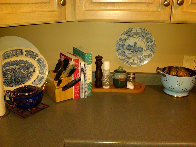 Cobalt blue and a few cookbooks dress up my kitchen