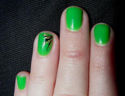nicki minaj green nails. wallpaper nicki minaj green
