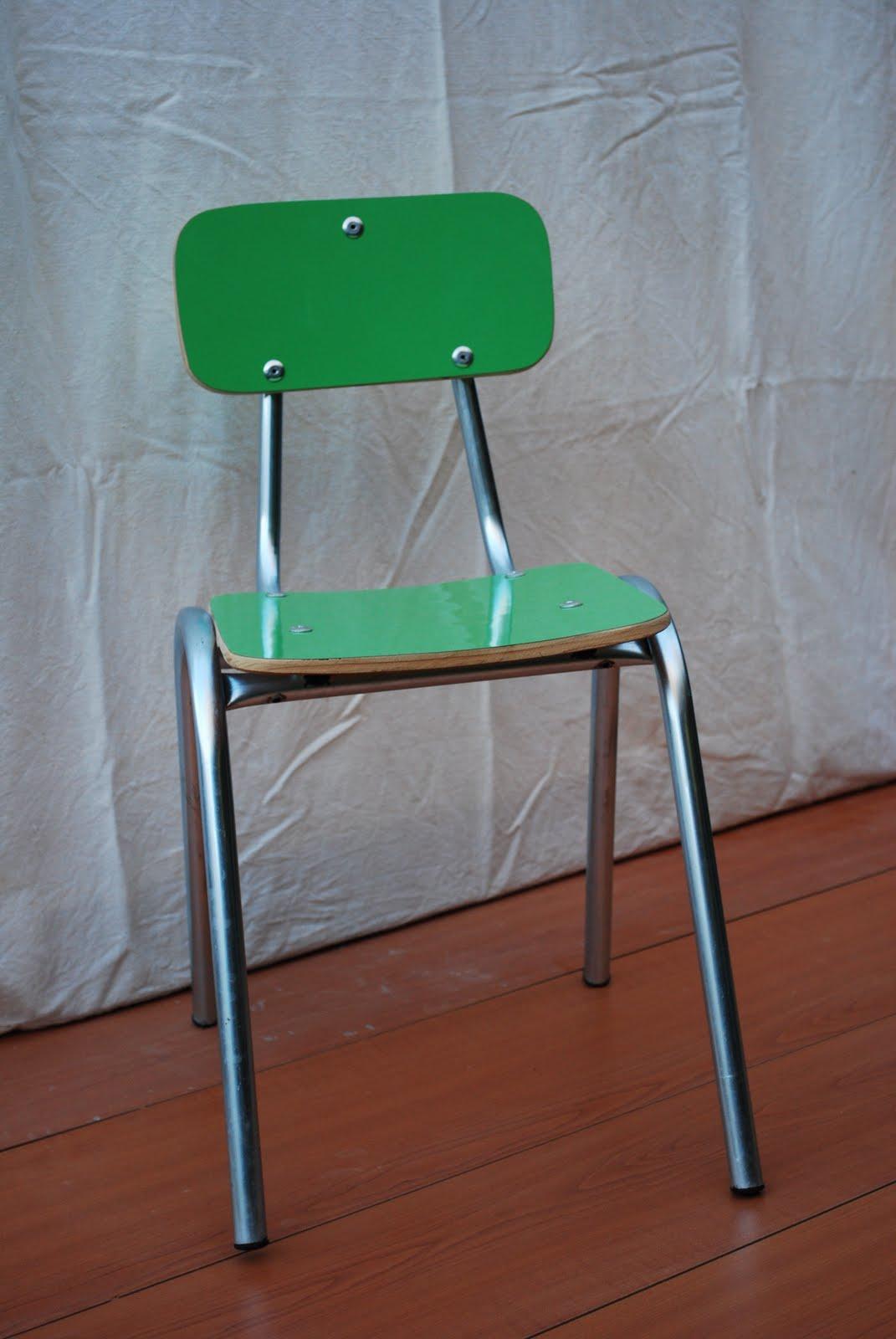 Arriendo mesas y sillas infantiles mesitas y sillitas for Sillas amarillas