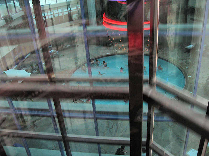[Atlantis+Spa+level+and+pool.JPG]