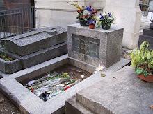 túmulo de jim morrison sem lápide e estátua