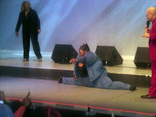 crazy pics doing the splits on stage funny