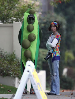 funny harrison ford halloween costume with calista flockhart pea and hippie