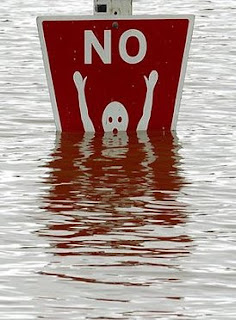 really funny no swimming sign underwater