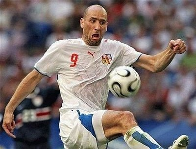 http://3.bp.blogspot.com/_xwE0rBDpg1Y/SorTplKQfzI/AAAAAAAAEFE/baVIJkK-hXo/s400/funny-football-photos-strange-face.jpg