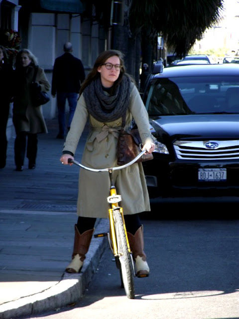 trench coats and bicycles, charleston street style, southern street style, yellow bicycle charleston