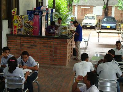 Las nenas de administracion empresarial for Proyecto cafeteria escolar