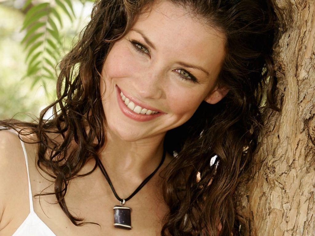 http://3.bp.blogspot.com/_xzc5xgjZcpI/S_QQLTjX7LI/AAAAAAAAFKo/14yaX1Z48oM/s1600/Evangeline-Lilly-69.jpg