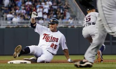 Jim Thome sliding into 3rd base