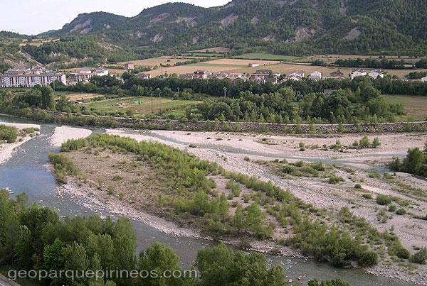 Vocabulario de geografia el relieve de la pen nsula ib rica for Terrazas fluviales
