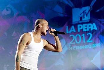 Juan Luis Guerra, Calle 13, y Miguel Bosé en una misma tarima en Cadiz