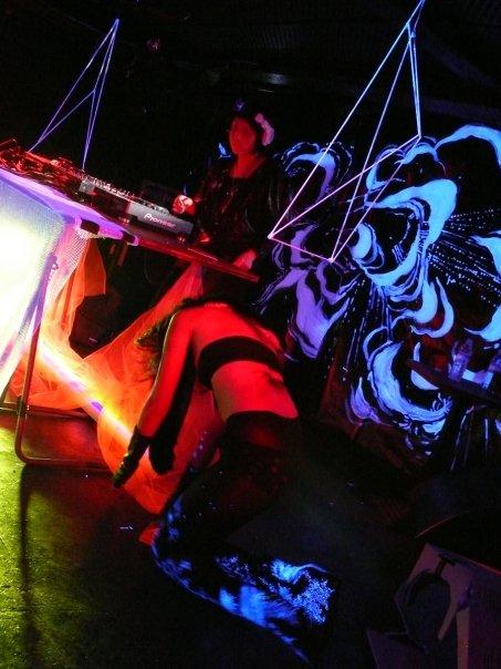 naomi décor vivant * on stage