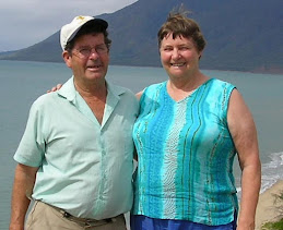 Erle and Glennis two Kiwis who enjoy traveling.