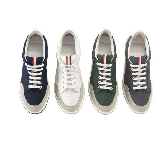 http://3.bp.blogspot.com/_y72Rim8FJ8o/S_R2fCqcC8I/AAAAAAAAAh8/YrrxYxEEIwQ/s1600/moncler-ss10-sneakers-collection-6.jpg