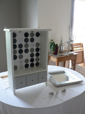 myriam g rat avant apres relooking petit meuble en pin. Black Bedroom Furniture Sets. Home Design Ideas